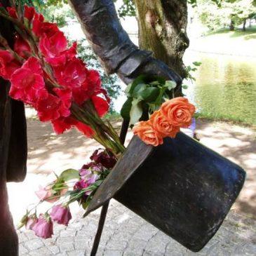 Пушкинское общество Латвии поздравляет С ДНЕМ РОЖДЕНИЯ ПОЭТА!!! Рига, 2020 год (карантинный)